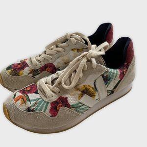 Veja RARE Women's Floral print sneakers size 9
